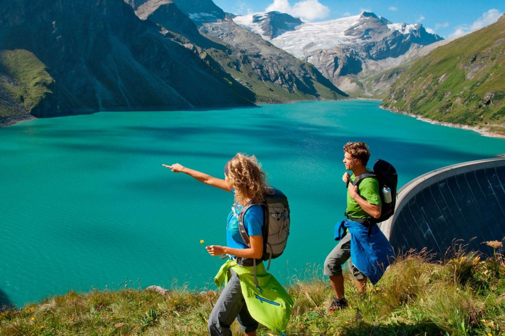 Spectacular views while trekking during the summer in Austria